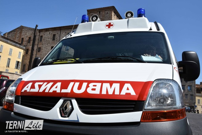 ambulanza croce rossa italiana criSTE_3084