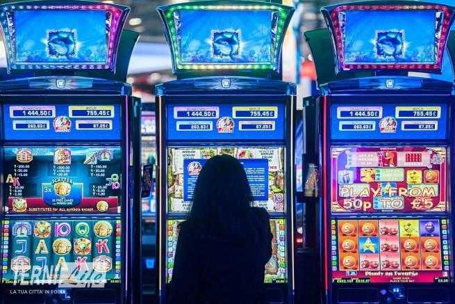 slot-machine-tornano-limitazioni-orario