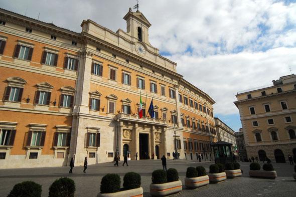 Palazzo-Montecitorio-del-Parlamento-2581-f.F.Q