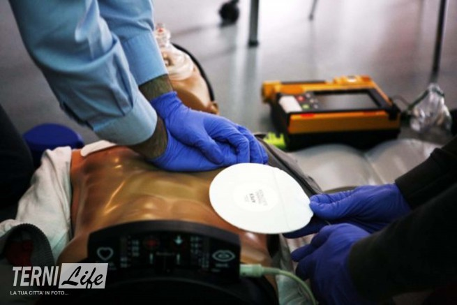 defibrillatore-640x427