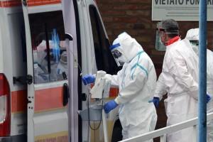 new Fotosud - Napoli 08-03-2020 Ospedale Cotugno e Cardarelli continuano l'emergenza per il coronavirus (Newfotosud Alessandro Garofalo)